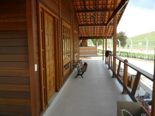 Casa de madeira pré-fabrica obra 24