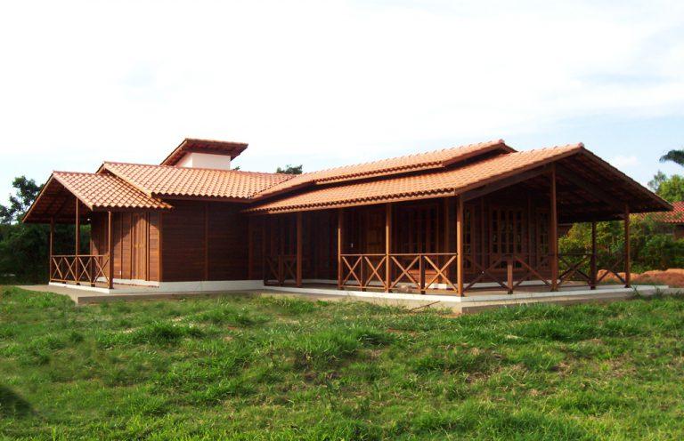 Casa de madeira pré-fabrica obra 35