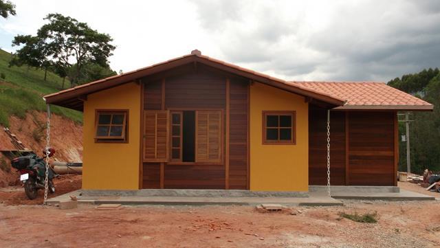 Casa de madeira pré-fabrica obra 25