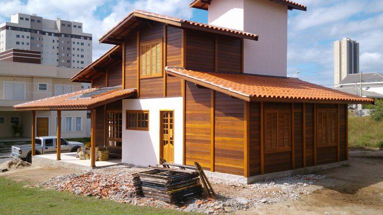 Casa de madeira pré-fabrica obra 30