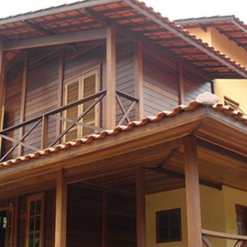 Como avaliar a qualidade de uma casa de madeira maciça pré-fabricada
