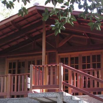 Como é feito um orçamento para casa de madeira maciça