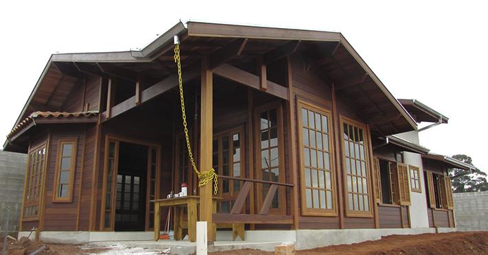 casa de madeira pré-fabricada maciça em Botucatu – SP
