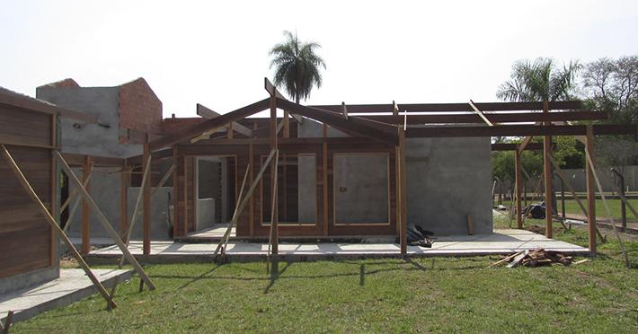 casa de madeira maciça em Santa Maria da Serra – SP