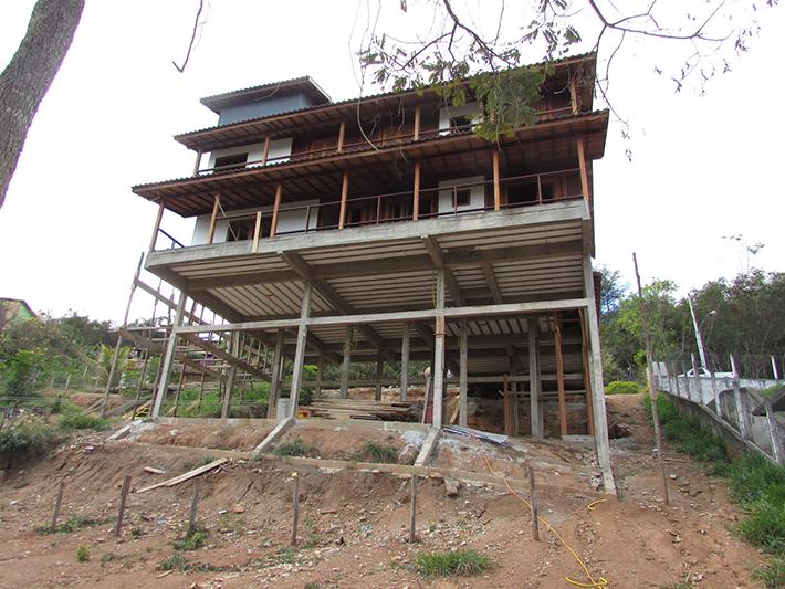 casa de madeira maciça em Varginha – MG