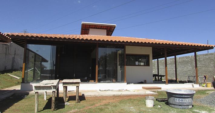 casa de madeira maciça em Itapira - SP