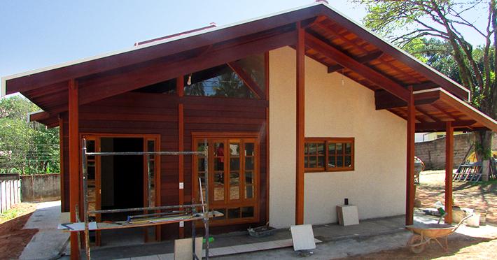 casa de madeira pré-fabricada maciça brasil casas
