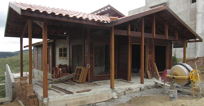 casa de madeira maciça em Monte Alegre do Sul – SP