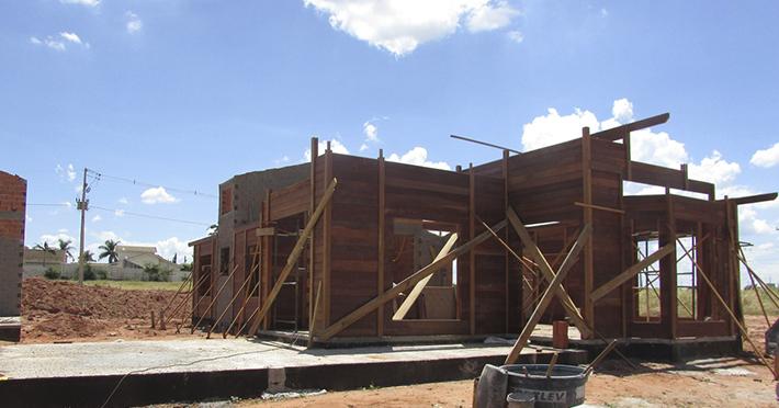 casa de madeira em Rancharia – SP