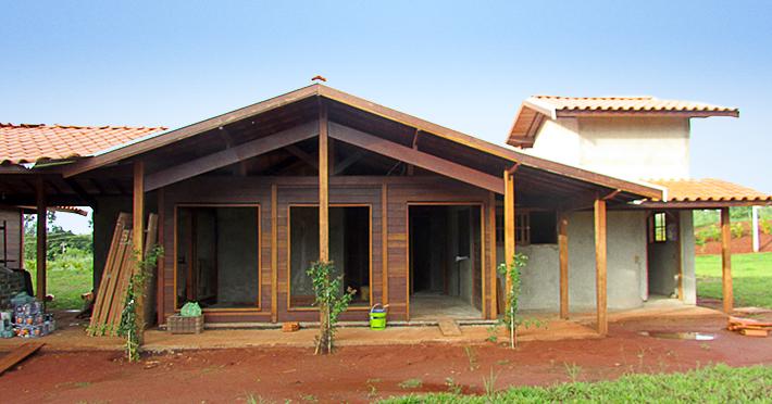 casa de madeira maciça itápolis - sp