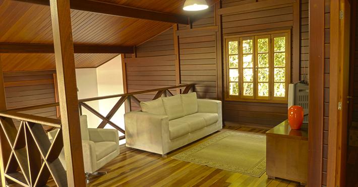 sala íntima pavimento superior