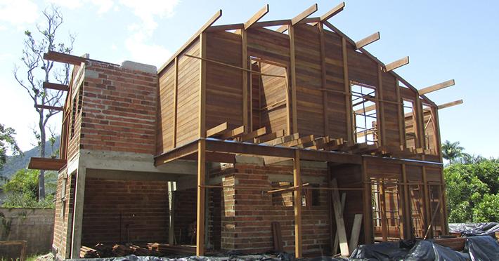 casa de madeira em Barra do Una - SP