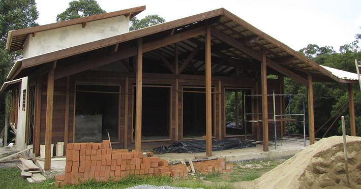 casa de madeira em Itapecerica - SP