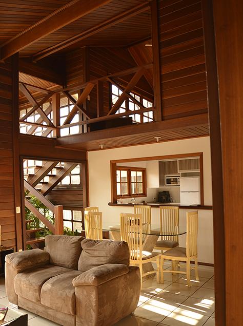 sala de estar madeira maciça