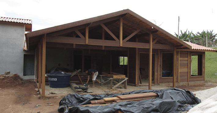 casa de madeira em janiru sp
