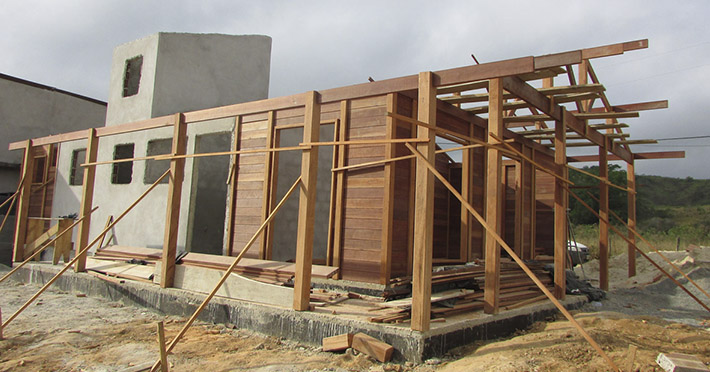 casa de madeira em Arrozal - RJ