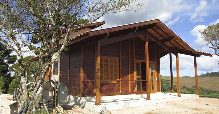 casa de madeira em São Bento do Sapucaí – SP