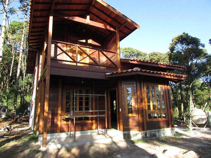 casa de madeira em São Bento do Sapucaí - SP