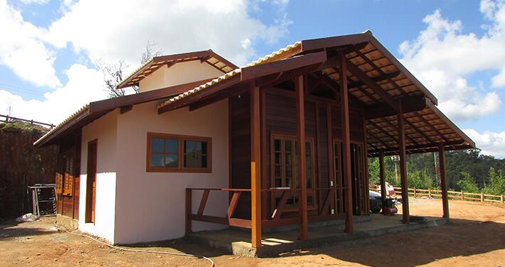 casa de madeira pré-fabricada maciça