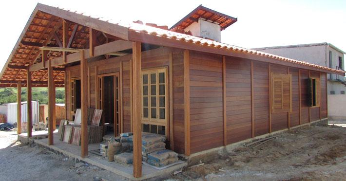 casa de madeira maciça em arrozal rj