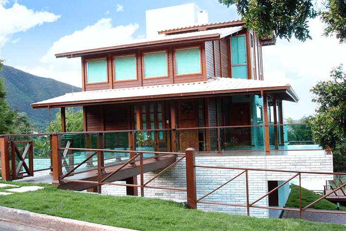 casa de madeira maciça