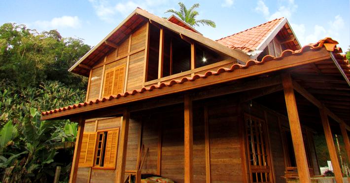 casa de madeira pré-fabricada em itanhém sp