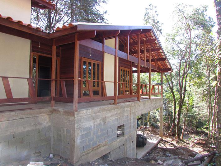 casa de madeira pré-fabricada em monte verde mg