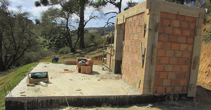 casa de madeira em Gonçalves - MG