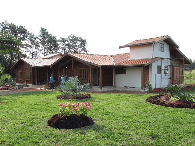 Casa de madeira pré-fabrica obra 58