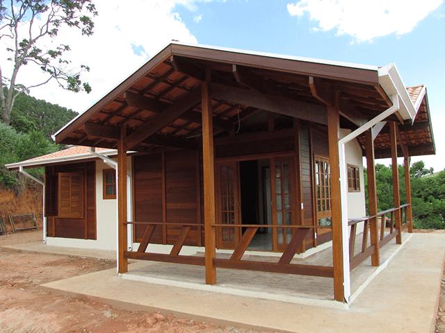 Casa de madeira pré-fabrica obra 60