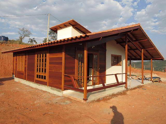 Casa de madeira pré-fabrica obra 62