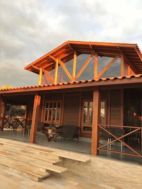 Casa de madeira pré-fabrica obra 63