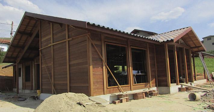 casa de madeira em Extrema – MG