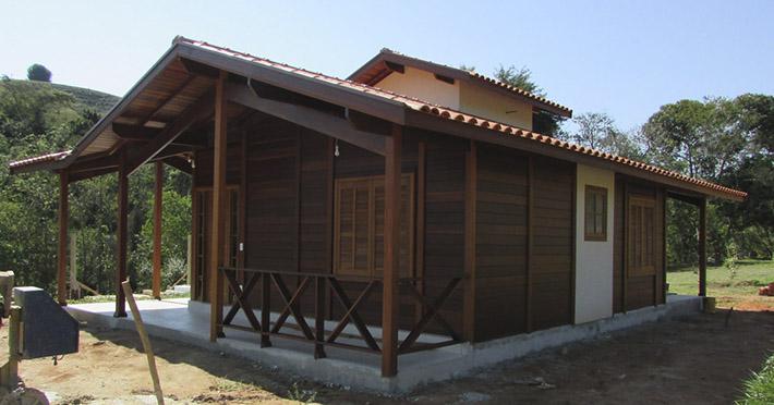 casa de madeira pré-fabricada