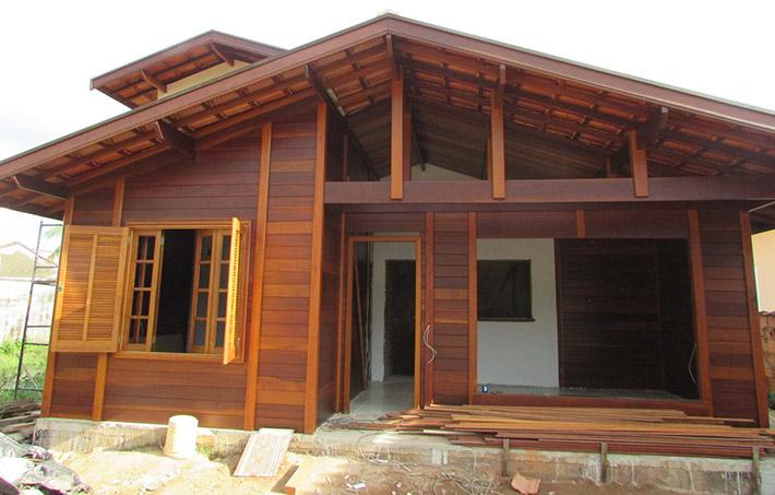 casa de madeira em Bertioga – SP