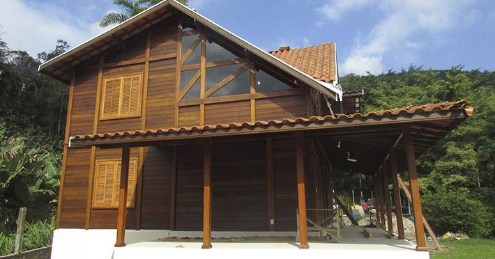casa de madeira em Itanhaém – SP