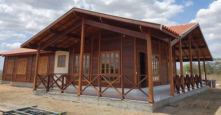 casa de madeira maciça em João Pessoa – PB