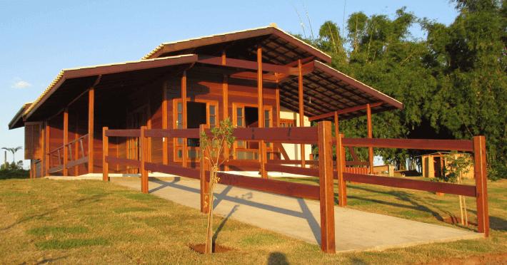 casa de madeira varanda