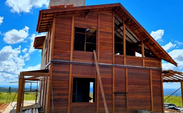 Feitas para durar: Casas de madeira pré-fabricadas em construção