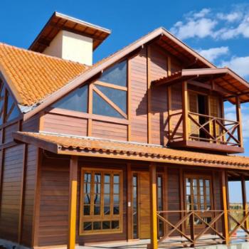 Feitas para durar casas de madeira em execução Agosto de 2021